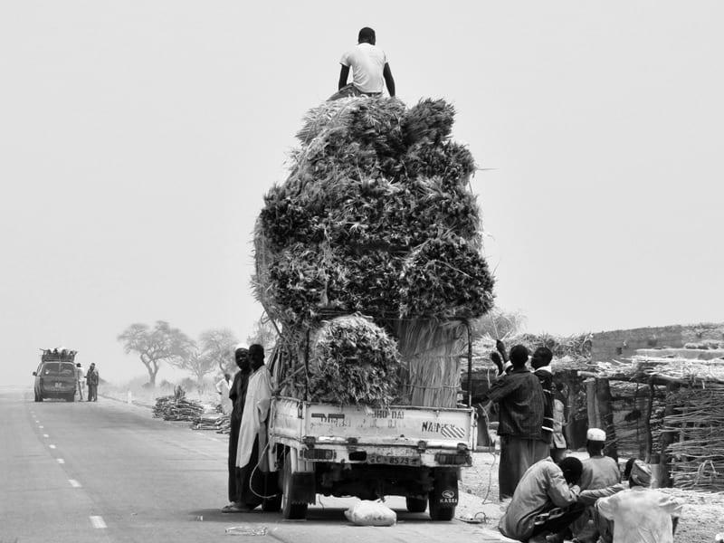Jak dobrać rodzaj transportu do gabarytów i wagi przesyłki