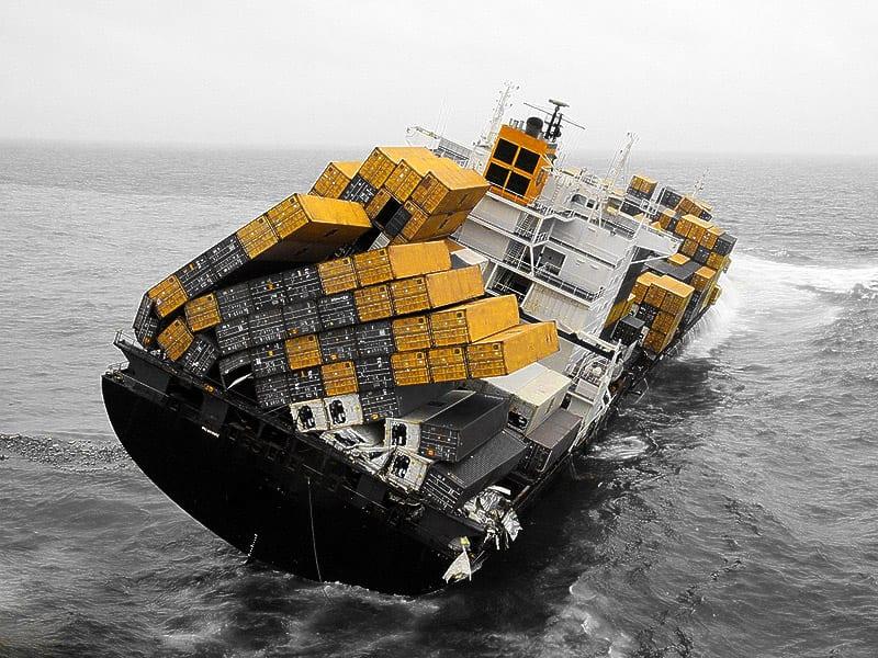 Spedycja morska: przezorny ubezpiecza ładunek
