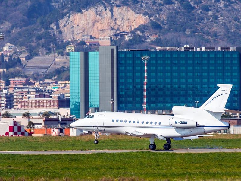 Port lotniczy Genoa