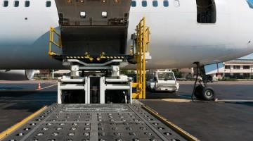 Spedycja lotnicza: warunki wysyłki samolotem